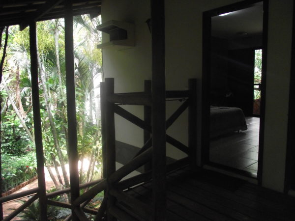 Escadas que dão acesso ao piso superior.