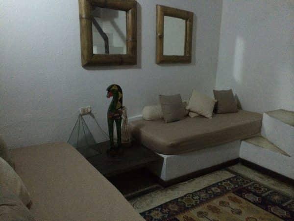 Sala ou 02 camas de solteiro na parte inferior do mezanino