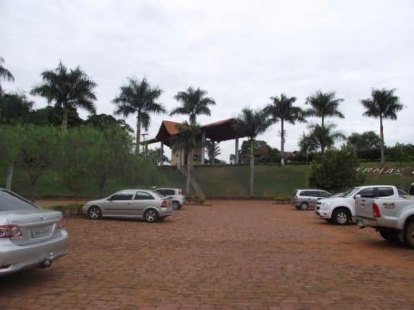 guarita e estacionamento