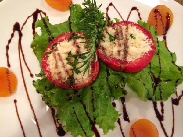 Entrada de Tomates recheados com ricota...