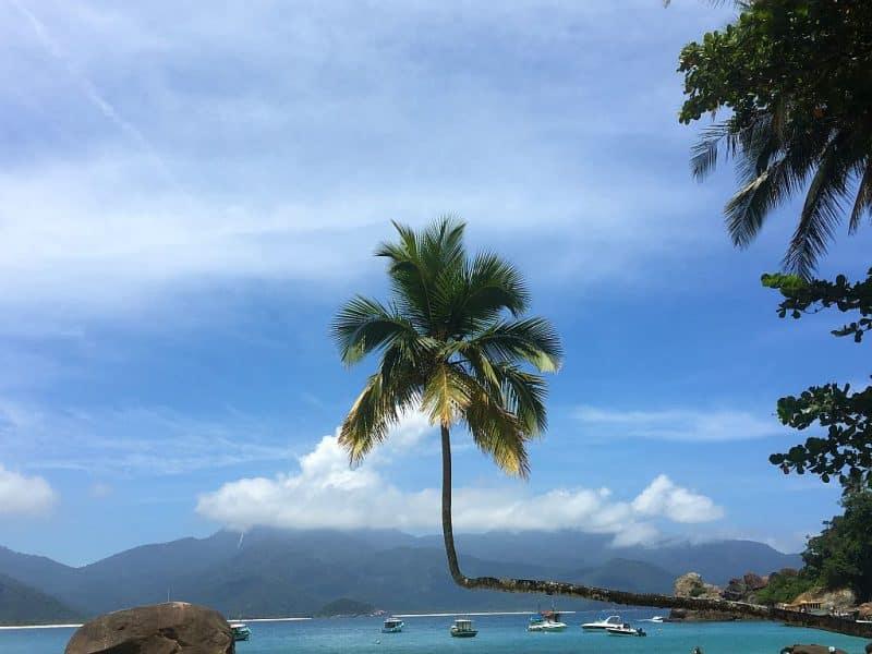 praia do aventureiro ilha grande