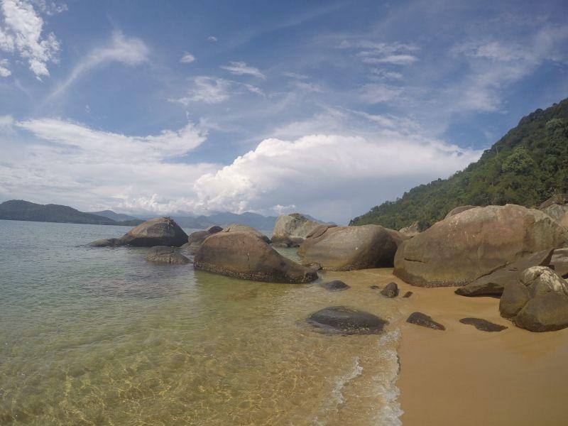 praia da feiticeira ilha grande