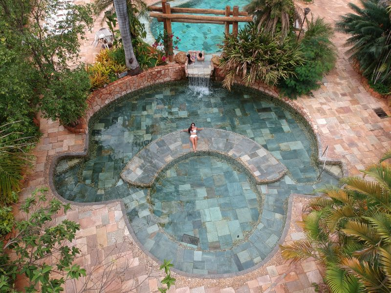 águas quentes naturais em Minas Gerais