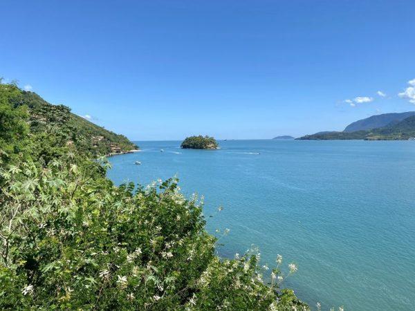 melhores praias em Ilhabela